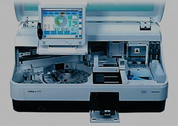 Image: The Elecsys cobas e 411 electrochemiluminescence immunoassay platform (Photo courtesy of Roche Diagnostics).