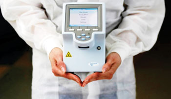 Image: The cobas Liat molecular diagnostic system (Photo courtesy of Roche).